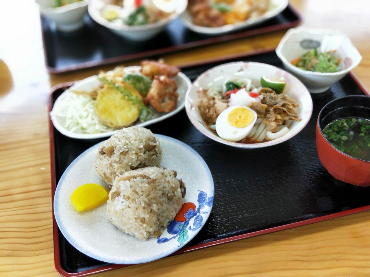 吉野鶏めし保存会 (大分市・鶏めし)