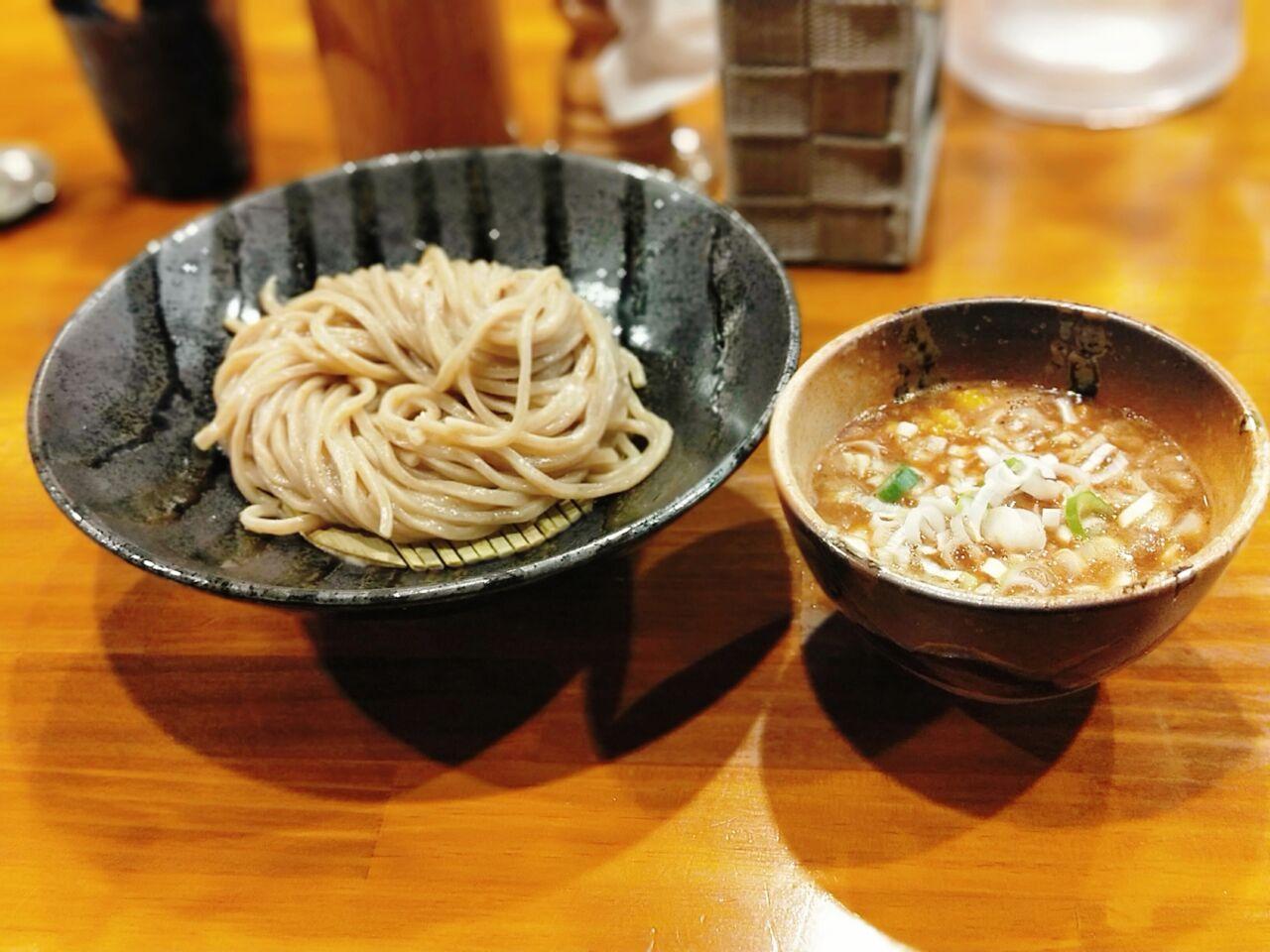 つけ麺 井出 本店(北浜駅・つけ麺、ラーメン)