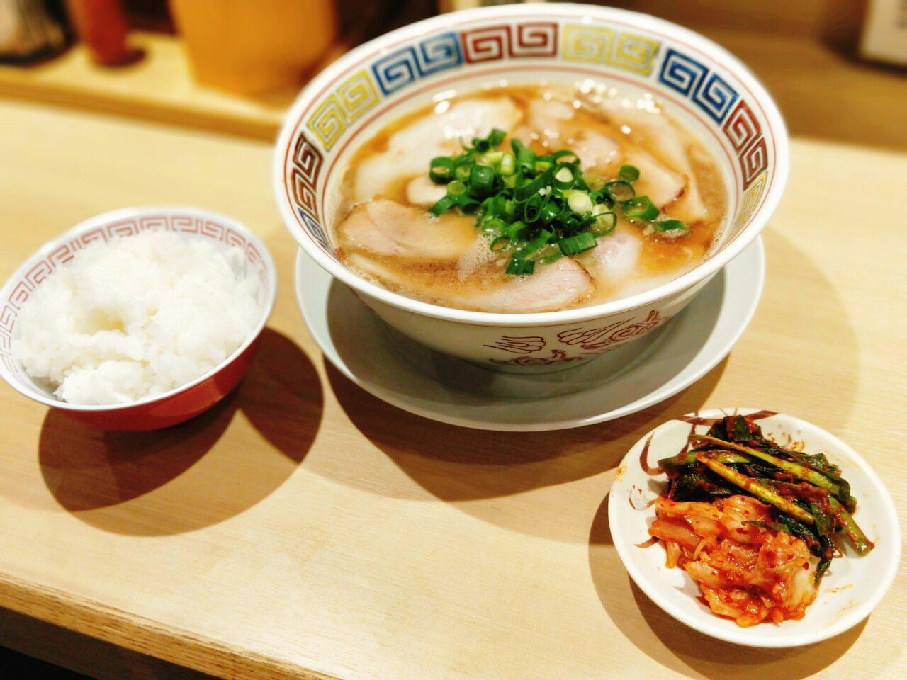 カドヤ食堂 西梅田店(北新地駅・ラーメン)